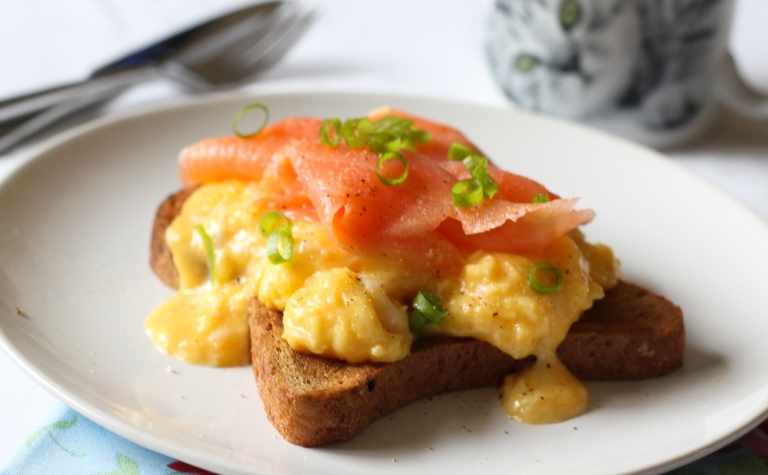 Smoked salmon and scrambled eggs side