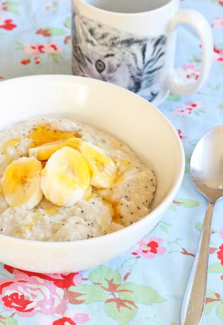 Banana poppyseed and golden syrup porridge 1.jpg