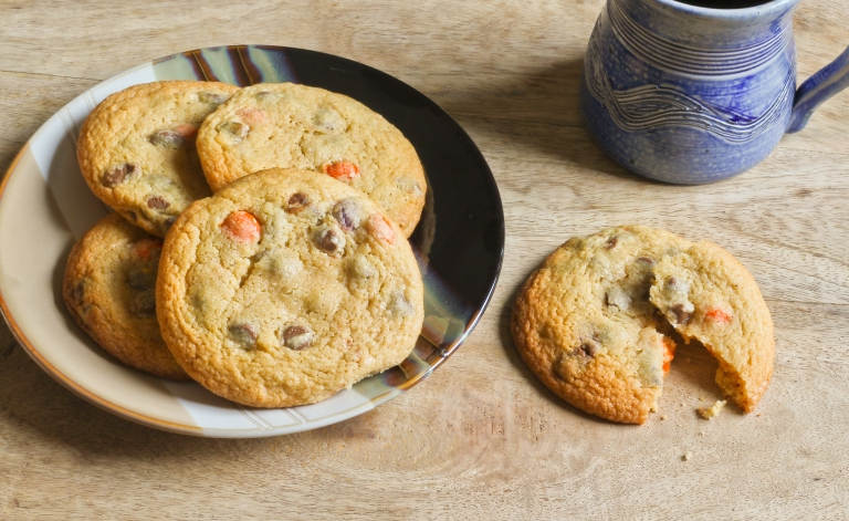 Choc chip and reeses pieces cookies 1