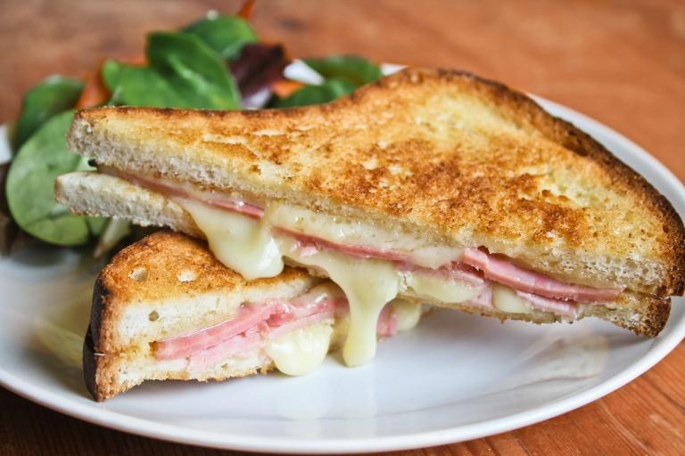 Cheese and ham toastie.jpg