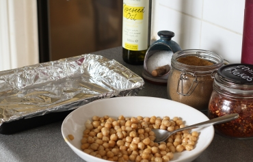 Spicy roast chickpeas 1.jpg